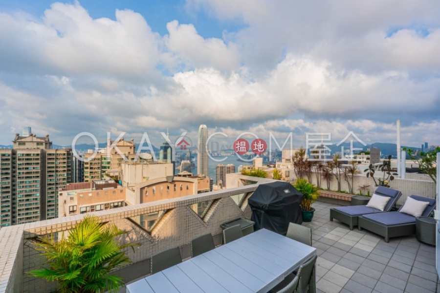 HK$ 80,000/ month, Scenecliff Western District Beautiful penthouse with rooftop & parking   Rental