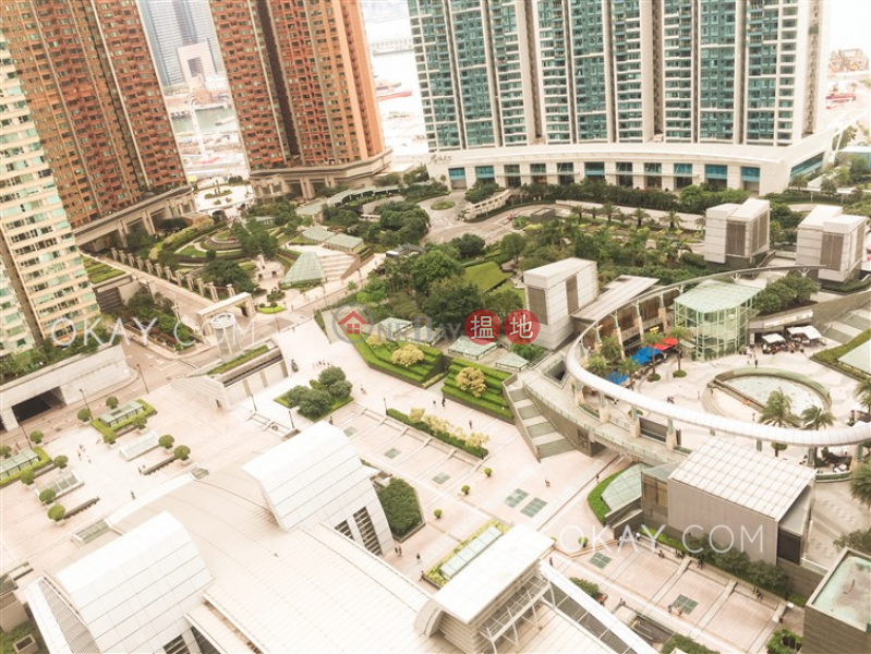 Property Search Hong Kong   OneDay   Residential Rental Listings   Stylish 2 bedroom in Kowloon Station   Rental