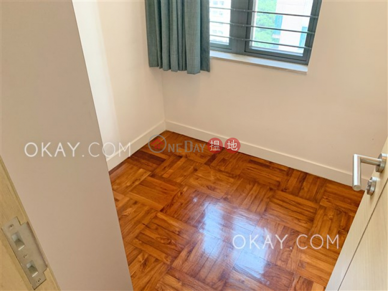 HK$ 28,400/ 月吉席街18號|西區3房2廁,極高層,露台《吉席街18號出租單位》
