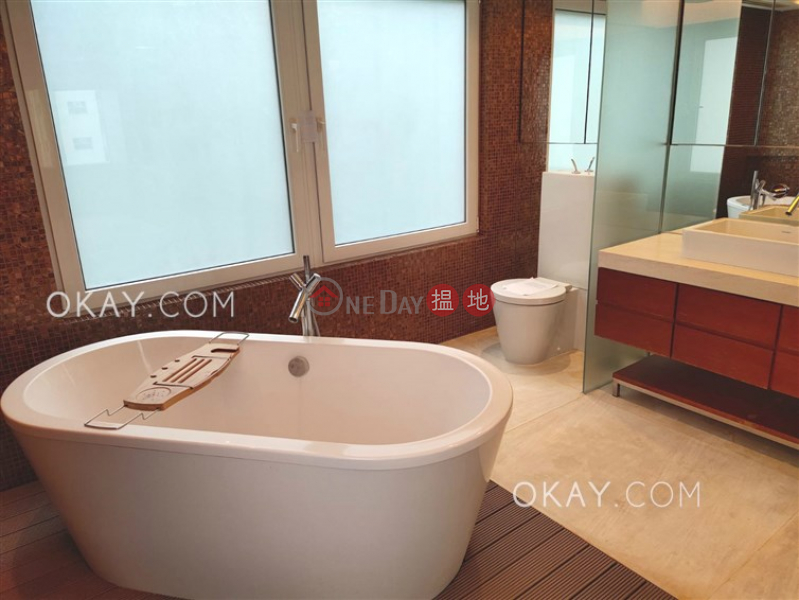 HK$ 26M | Park Garden Wan Chai District, Charming 2 bedroom with balcony & parking | For Sale