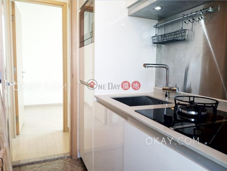 2房1廁,極高層,星級會所,露台《形品‧星寓出售單位》-1洋松街 | 油尖旺香港-出售|HK$ 950萬