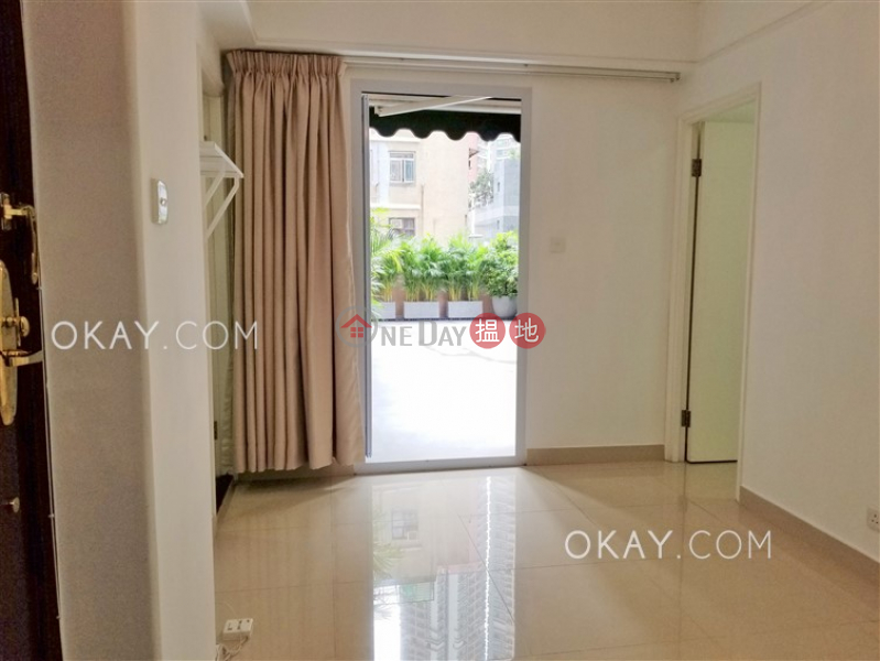 HK$ 12.5M, Shun Hing Building Western District | Stylish 1 bedroom with terrace | For Sale