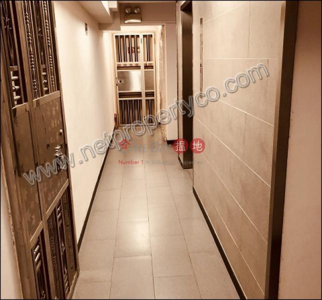 Apartment for Rent2-14電氣街 | 灣仔區-香港-出租-HK$ 18,000/ 月