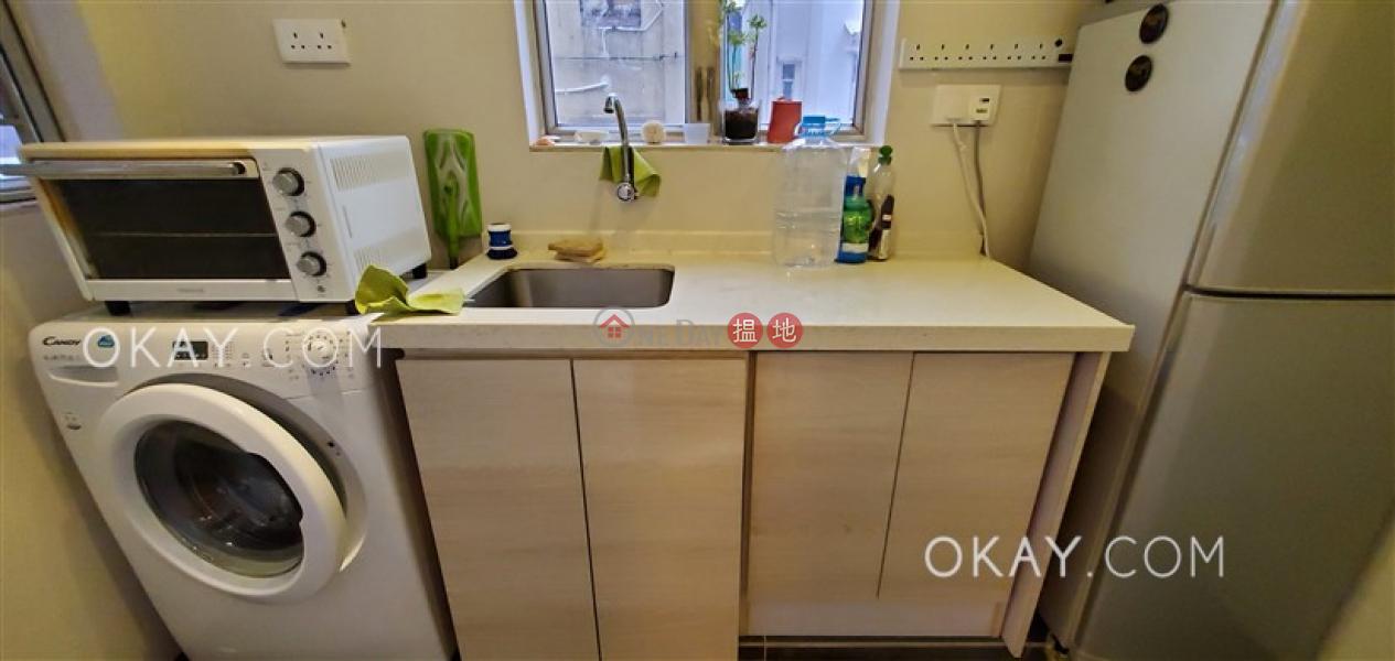 香港搵樓|租樓|二手盤|買樓| 搵地 | 住宅-出售樓盤2房1廁,極高層新村街10A-11A號出售單位