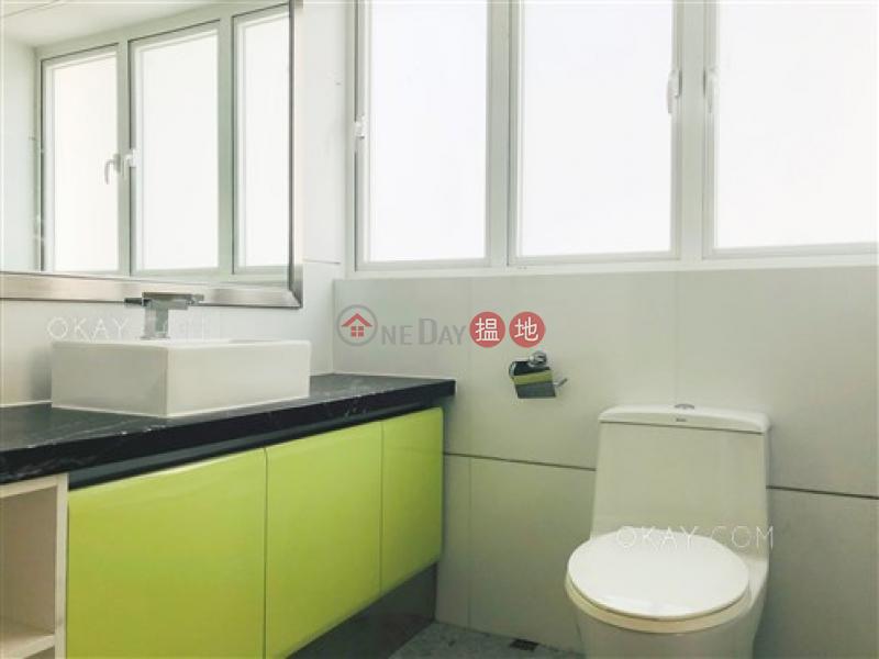 Tasteful 2 bedroom with parking | Rental, Phase 2 Villa Cecil 趙苑二期 Rental Listings | Western District (OKAY-R292294)