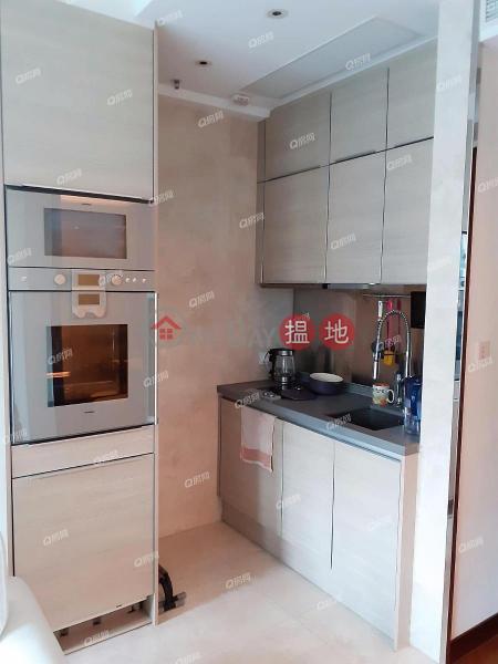 HK$ 17,500/ month, The Coronation | Yau Tsim Mong | The Coronation | Low Floor Flat for Rent