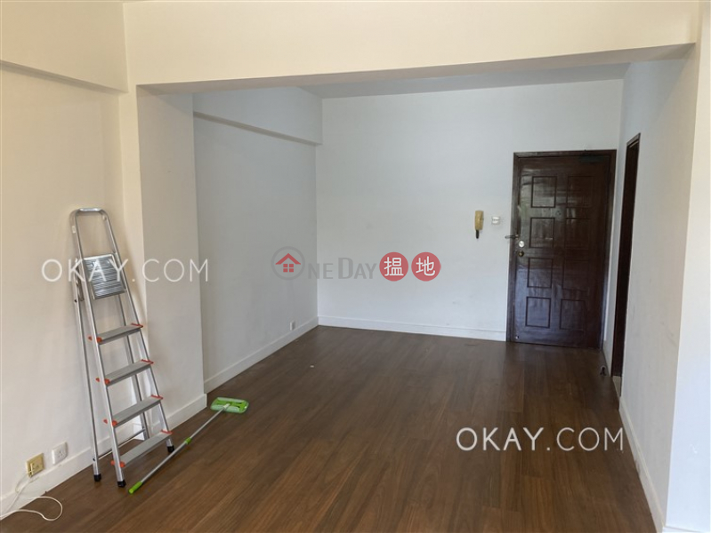 Tasteful 2 bedroom with balcony | For Sale | Discovery Bay Plaza / DB Plaza 愉景廣場 Sales Listings
