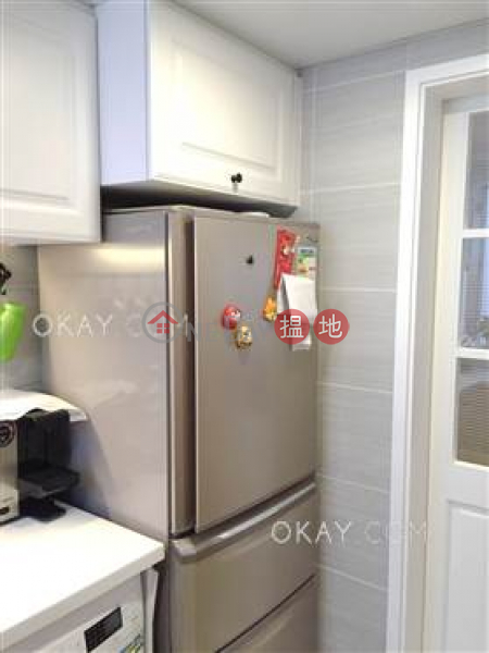 HK$ 9M, Tower 1 Hoover Towers Wan Chai District, Generous 2 bedroom in Wan Chai   For Sale