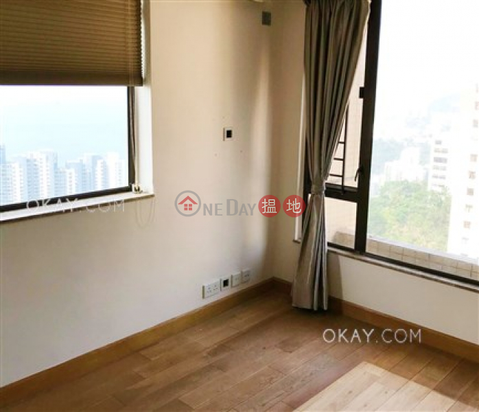 Property Search Hong Kong | OneDay | Residential | Sales Listings | Tasteful 3 bed on high floor with sea views & rooftop | For Sale