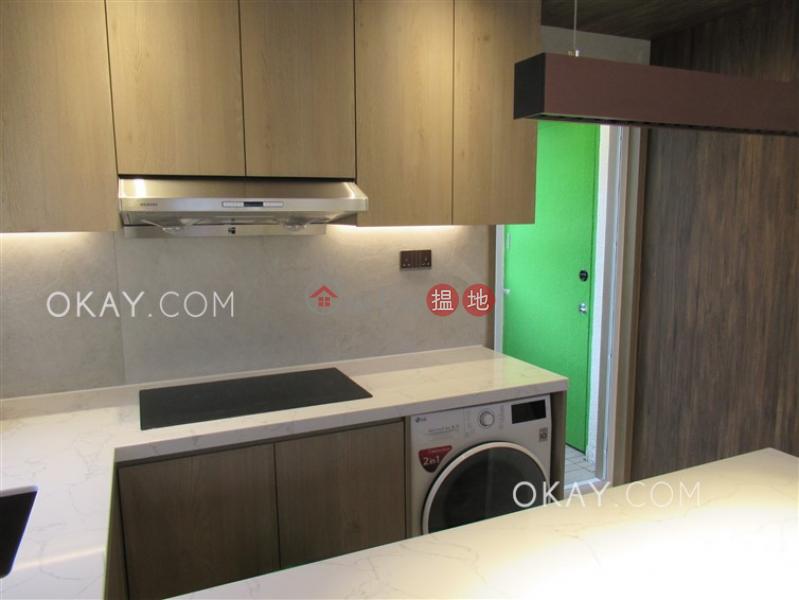 Practical 2 bedroom on high floor with balcony | Rental | 69-71 Stone Nullah Lane | Wan Chai District | Hong Kong | Rental HK$ 28,000/ month