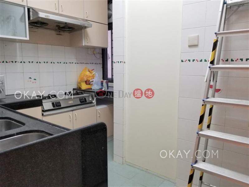 4房2廁,實用率高,連車位,露台《翡翠花園 41座出租單位》-4283大埔公路(大埔滘段) | 大埔區|香港|出租-HK$ 28,000/ 月