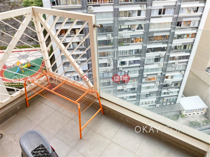 Nicely kept 2 bedroom with balcony | Rental | The Icon 干德道38號The ICON Rental Listings