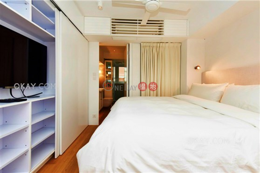 HK$ 50,000/ month, 61-63 Hollywood Road Central District, Stylish 2 bedroom in Sheung Wan | Rental