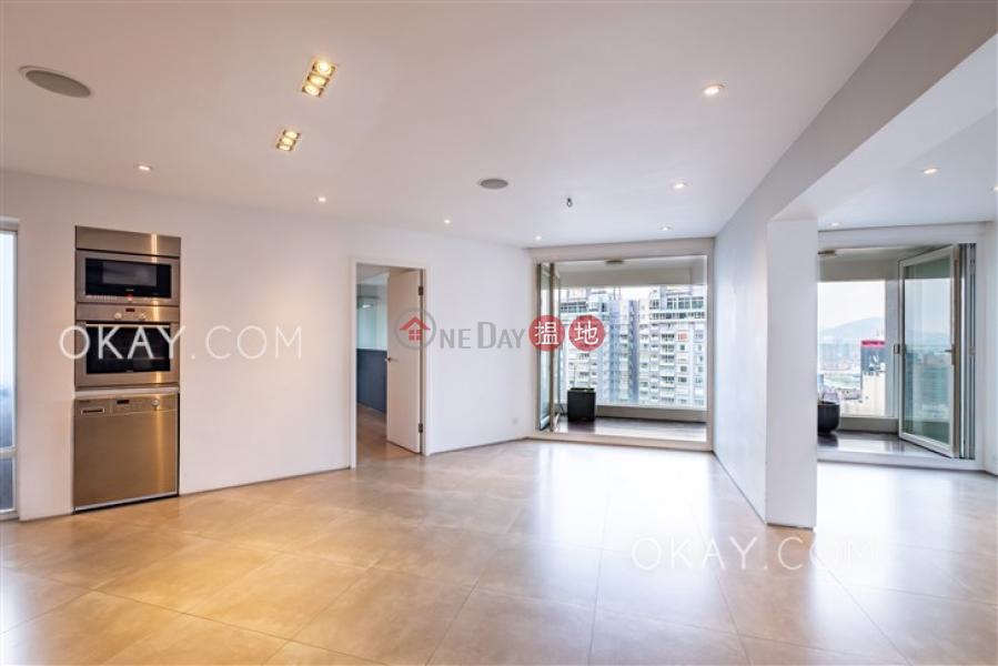 HK$ 65,000/ month Albron Court Central District, Efficient 3 bedroom on high floor with balcony | Rental