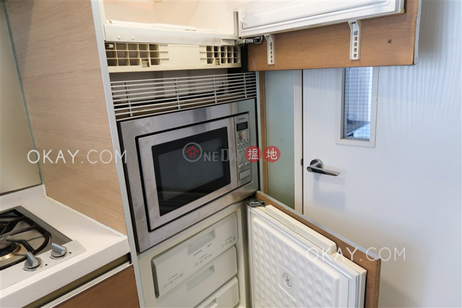 Gorgeous 3 bedroom with balcony | Rental, Centrestage 聚賢居 Rental Listings | Central District (OKAY-R68248)
