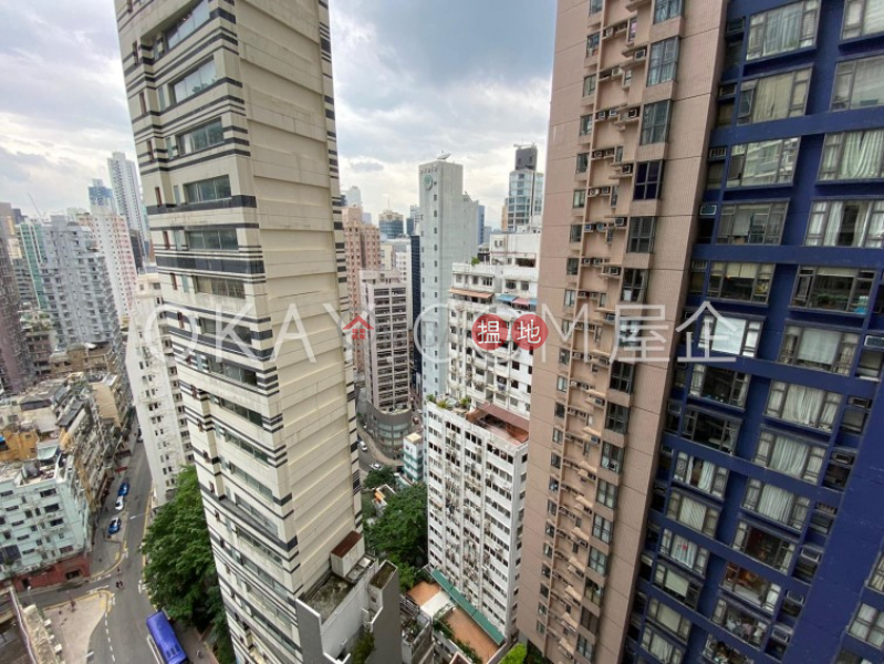HK$ 25,000/ month Centrestage, Central District, Practical 2 bedroom with balcony | Rental