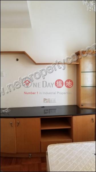 寶富大樓中層-住宅出租樓盤|HK$ 16,000/ 月