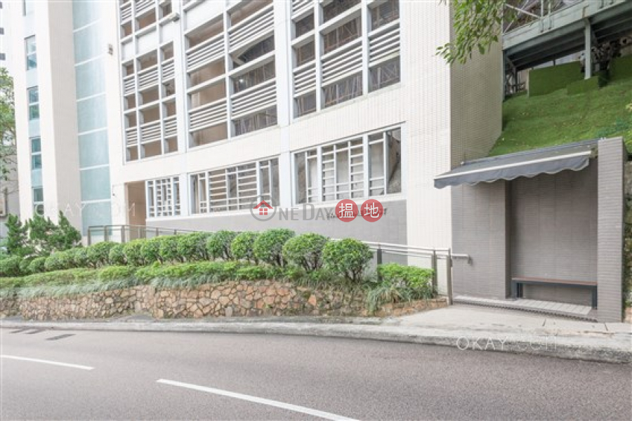 Beautiful 3 bed on high floor with balcony & parking | Rental | Branksome Crest Branksome Crest Rental Listings