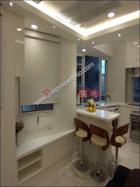 Fully Furnished Apartment for Rent, Nam Hung Mansion 南雄大廈 Rental Listings | Western District (A063279)