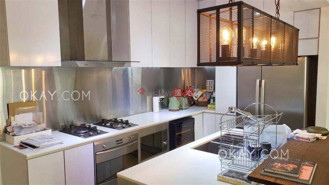 Nicely kept 3 bedroom in Wan Chai | Rental | Cheong Hong Mansion 長康大廈 Rental Listings