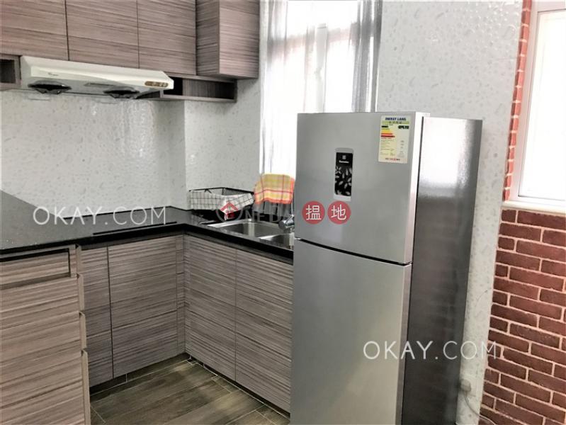 Nicely kept 1 bedroom on high floor with rooftop   Rental   11-13 Old Bailey Street 奧卑利街11-13號 Rental Listings