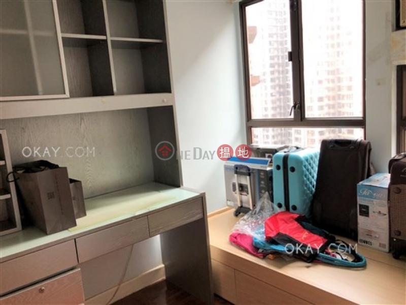 3房2廁,實用率高,極高層,可養寵物《信怡閣出售單位》|60羅便臣道 | 西區|香港|出售|HK$ 2,000萬