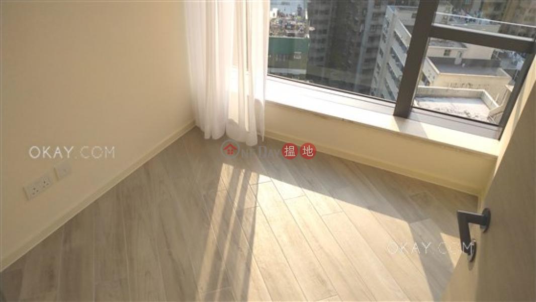 3房2廁,星級會所,露台《柏蔚山 1座出租單位》-1繼園街 | 東區香港出租-HK$ 45,000/ 月