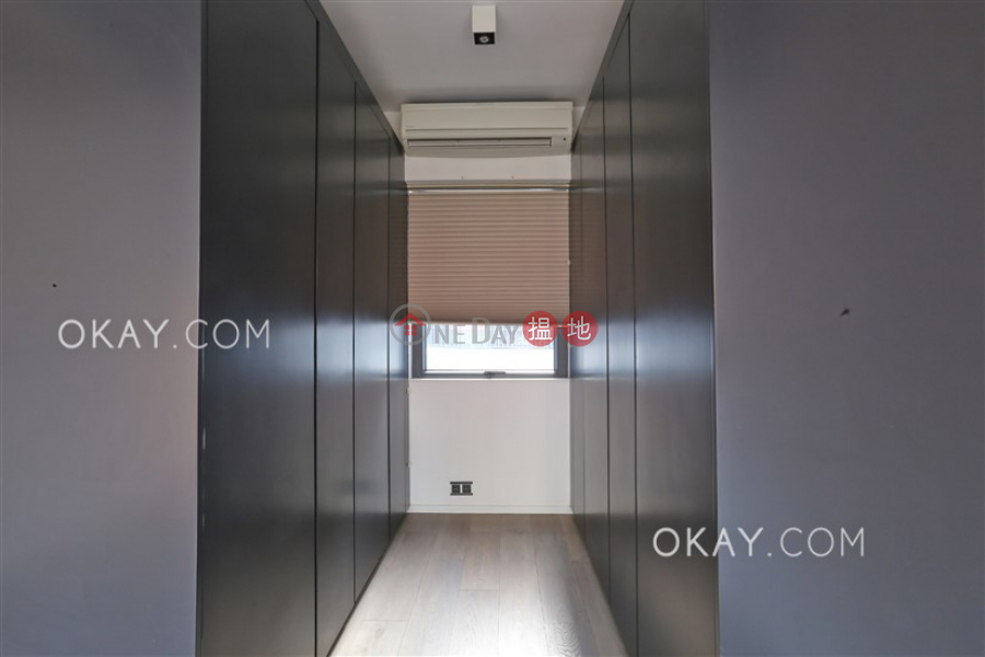 HK$ 18.5M | Shan Kwong Tower | Wan Chai District, Stylish 2 bedroom with balcony & parking | For Sale