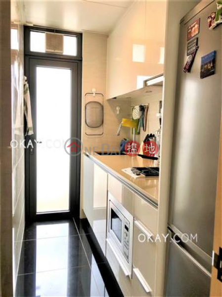 Lovely 2 bedroom on high floor with balcony | For Sale | Warrenwoods 尚巒 Sales Listings