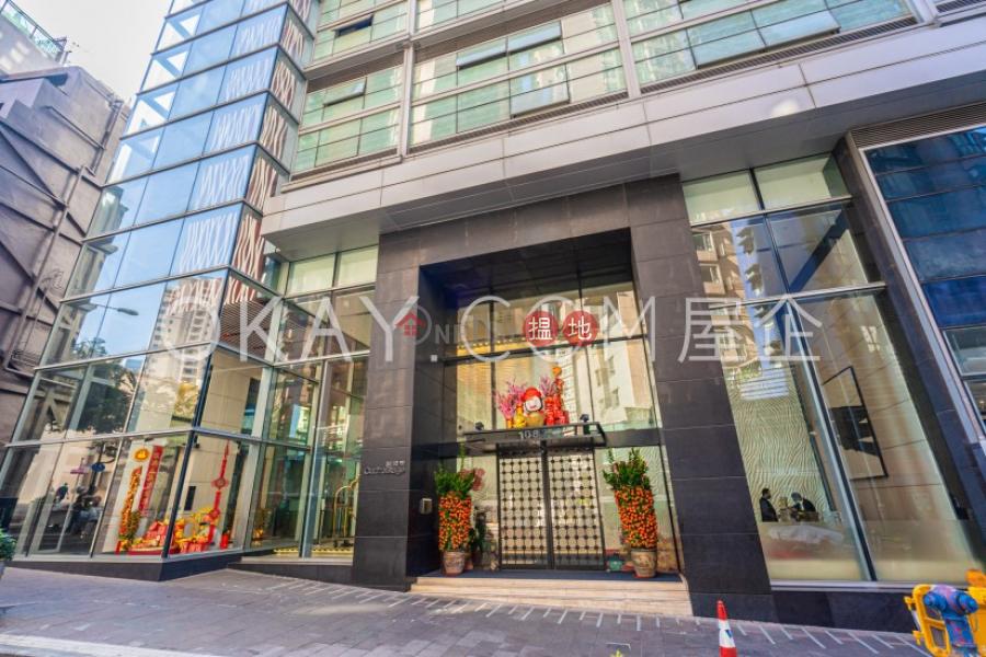 3房2廁,極高層,星級會所,露台聚賢居出租單位|聚賢居(Centrestage)出租樓盤 (OKAY-R60709)