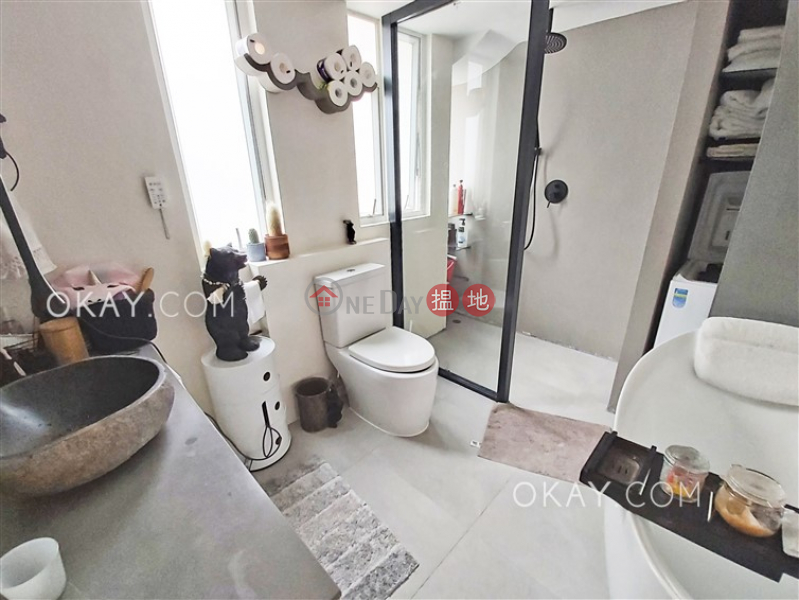 Lovely 1 bedroom in Mid-levels West   For Sale   Midland Court 美蘭閣 Sales Listings