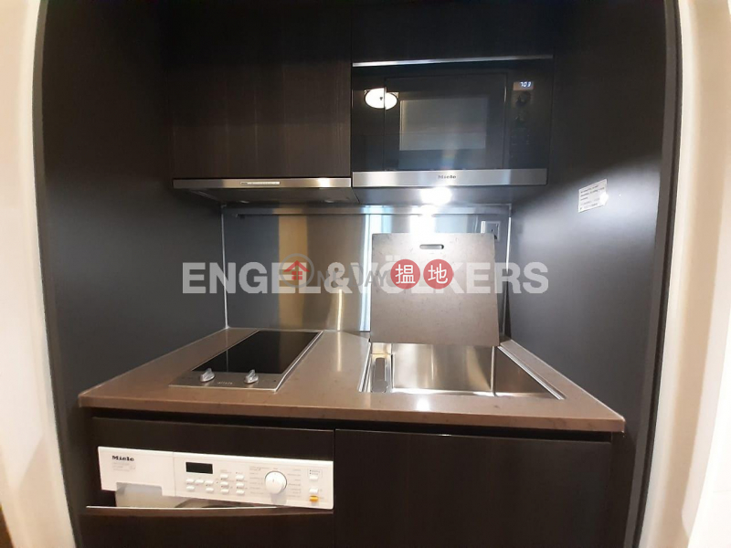HK$ 31,000/ month Castle One By V Western District, 2 Bedroom Flat for Rent in Mid Levels West
