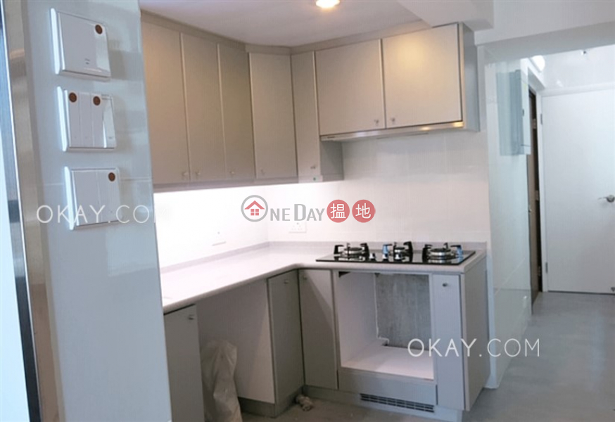 Efficient 3 bed on high floor with balcony & parking | For Sale | Everwell Garden 常康園 Sales Listings