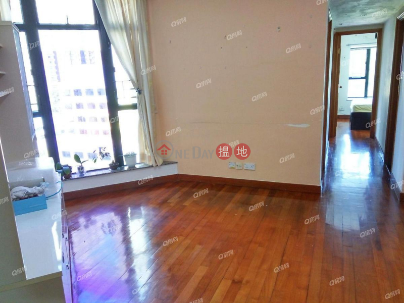 Property Search Hong Kong | OneDay | Residential Sales Listings, Nan Fung Plaza Tower 2 | 3 bedroom Low Floor Flat for Sale