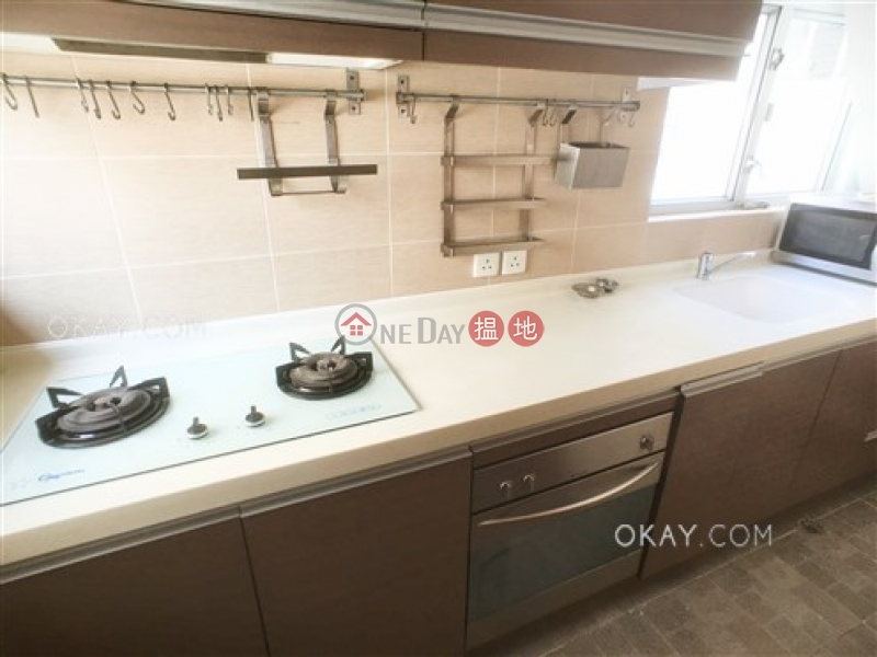 Nicely kept 2 bedroom on high floor with rooftop | For Sale | 16-22 King Kwong Street 景光街16-22號 Sales Listings