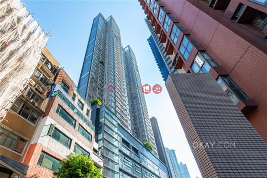 2房1廁,極高層,星級會所,露台《聚賢居出租單位》-108荷李活道 | 中區|香港-出租-HK$ 26,000/ 月