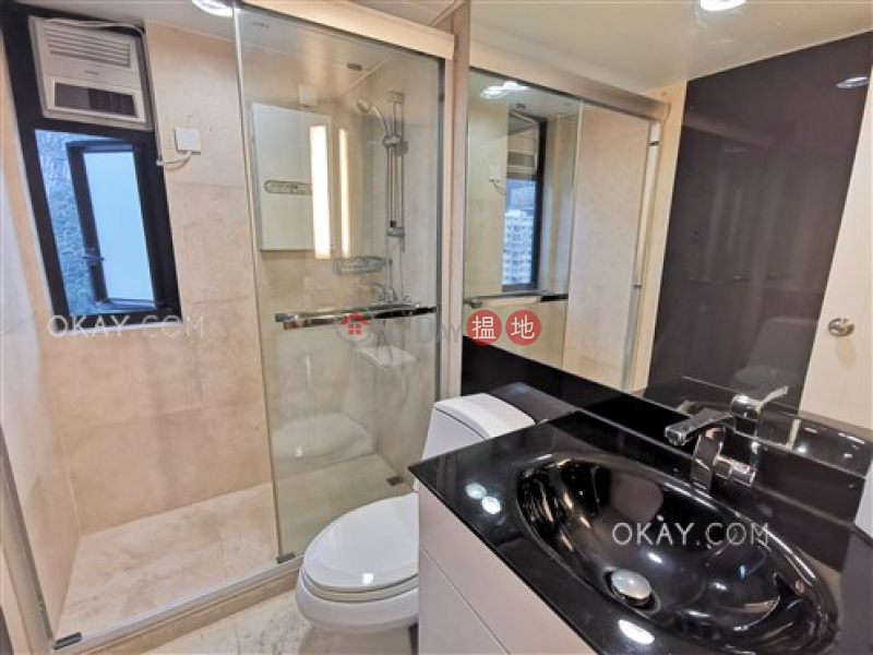 HK$ 58,000/ month | Vantage Park | Western District | Gorgeous 2 bedroom on high floor with rooftop | Rental