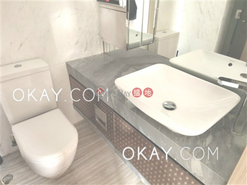 Unique 3 bedroom on high floor with sea views & balcony | Rental | Centre Point 尚賢居 Rental Listings