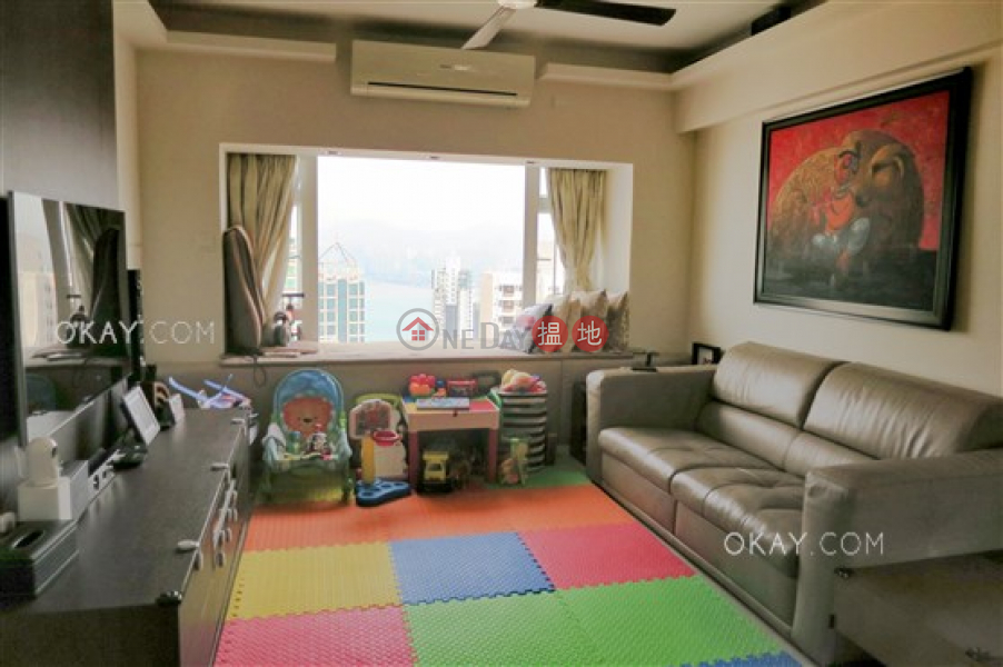 香港搵樓 租樓 二手盤 買樓  搵地   住宅出租樓盤 3房2廁,極高層,連車位《俊賢花園出租單位》