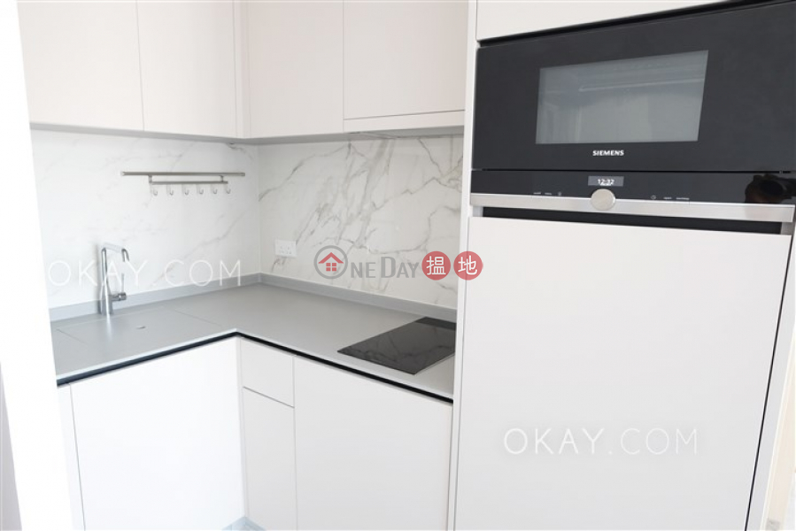 HK$ 27,300/ month Resiglow Pokfulam, Western District | Lovely 1 bedroom on high floor with balcony | Rental