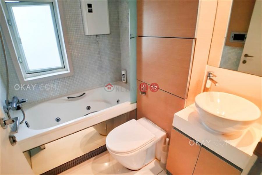3房1廁,星級會所,可養寵物,露台《聚賢居出售單位》|聚賢居(Centrestage)出售樓盤 (OKAY-S62993)