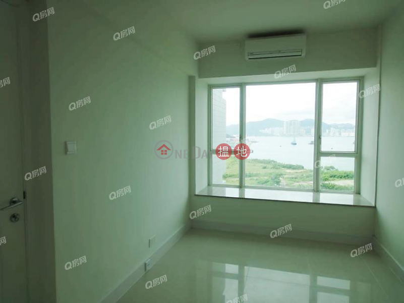 Property Search Hong Kong | OneDay | Residential | Sales Listings, Swan Lake (Tower 2 - L Wing) Phase 2A Le Prestige Lohas Park | 3 bedroom Low Floor Flat for Sale