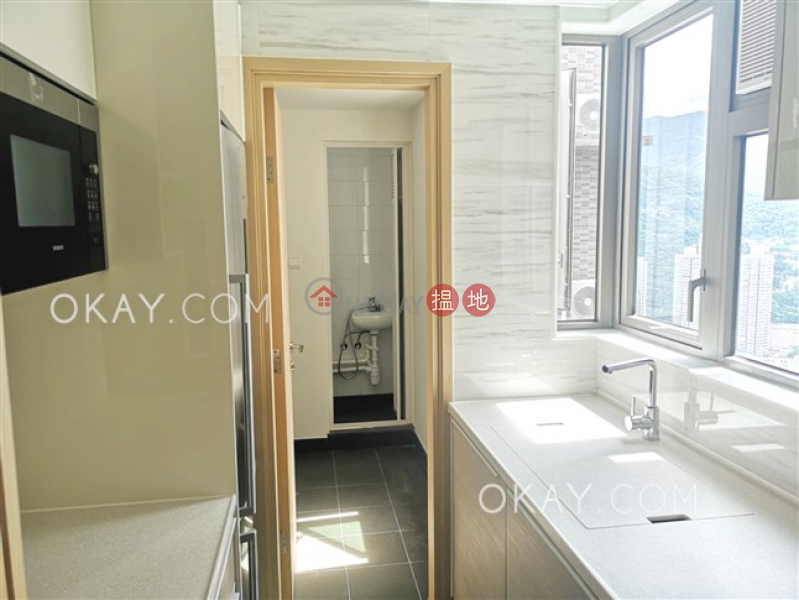 HK$ 40,000/ month | Parc City Tsuen Wan, Lovely 3 bedroom on high floor with sea views & balcony | Rental