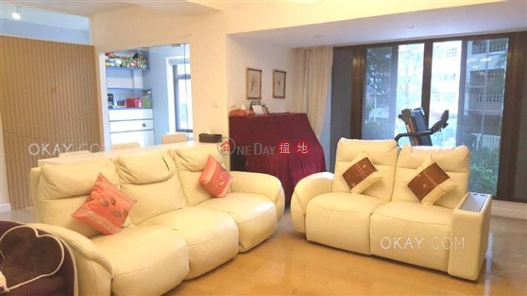 Stylish 4 bedroom with balcony & parking | For Sale | Wan Chui Yuen 環翠園 Sales Listings