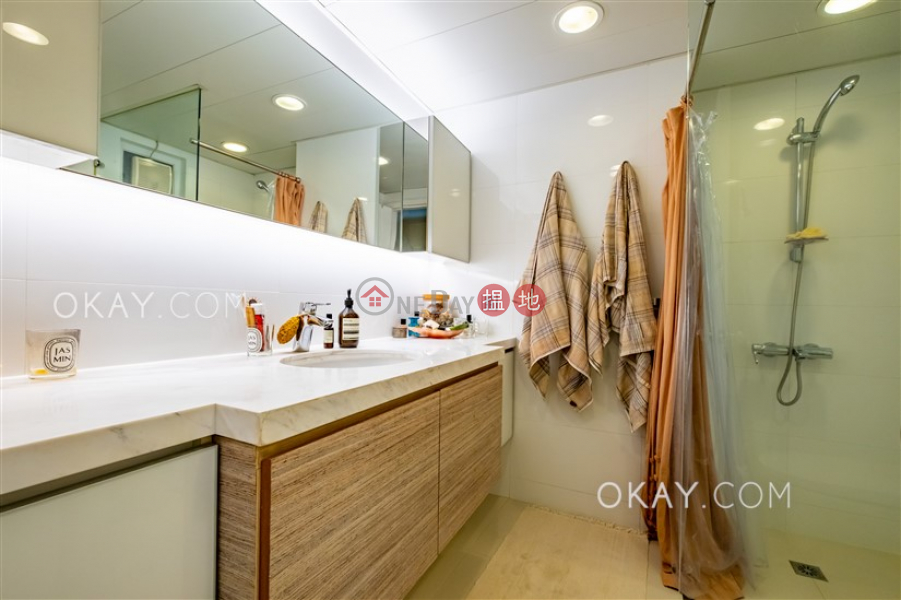 Charming 2 bedroom with terrace | For Sale | 56 Bonham Road 般咸道56號 Sales Listings