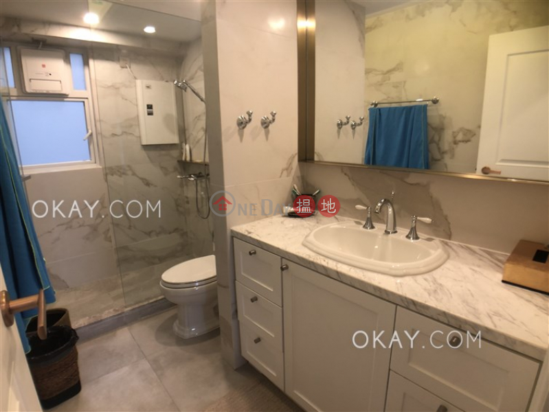 HK$ 60,000/ month, The Grand Panorama Western District | Elegant 3 bedroom in Mid-levels West | Rental