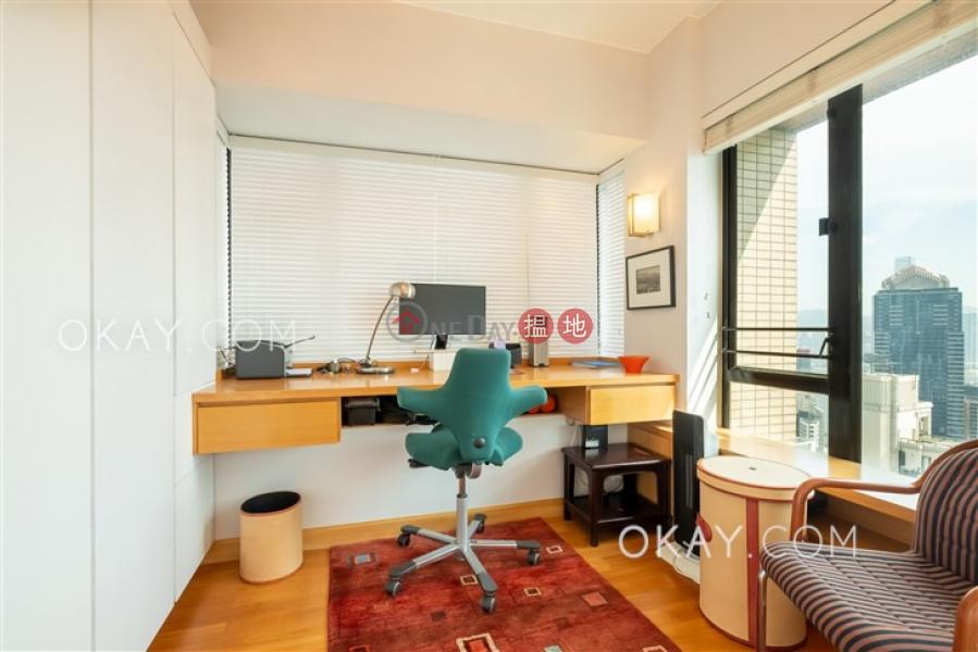 HK$ 10.68M | Bella Vista | Western District, Unique 2 bedroom on high floor with harbour views | For Sale