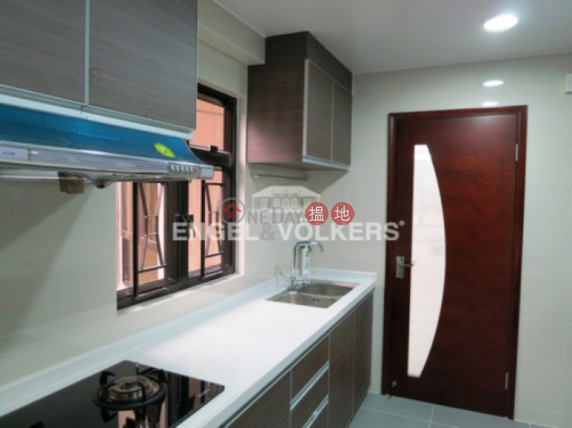 HK$ 65,000/ month | Yukon Court Western District | 3 Bedroom Family Flat for Rent in Mid Levels West