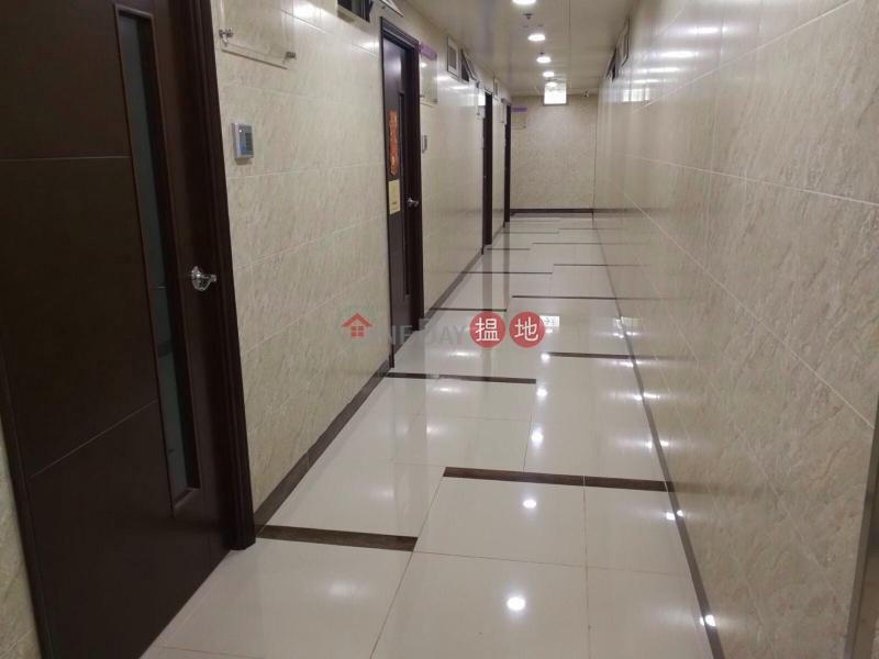 24小時工作坊 連天台 13/4更新 65188188梁 6 Tsing Yeung Circle | Tuen Mun | Hong Kong Sales HK$ 1.47M