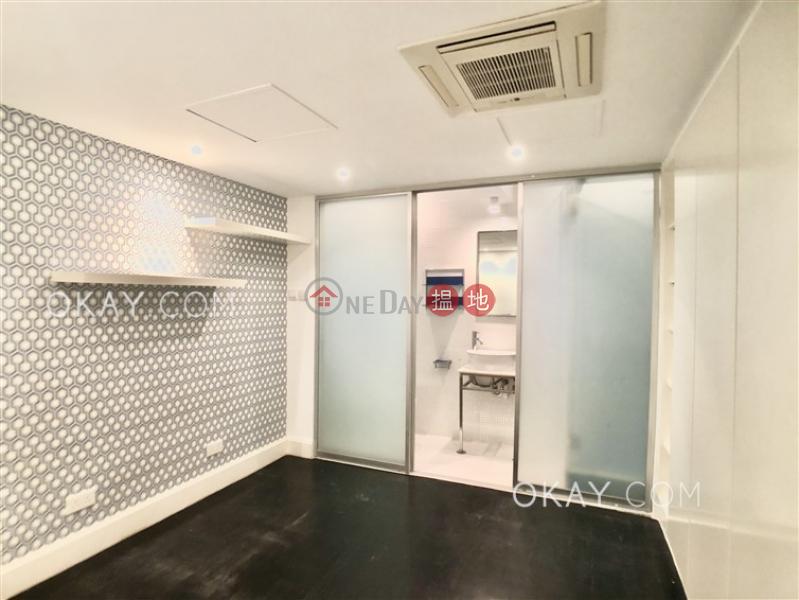 Lovely 3 bedroom with balcony | Rental, Blue Pool Mansion 藍塘大廈 Rental Listings | Wan Chai District (OKAY-R73528)